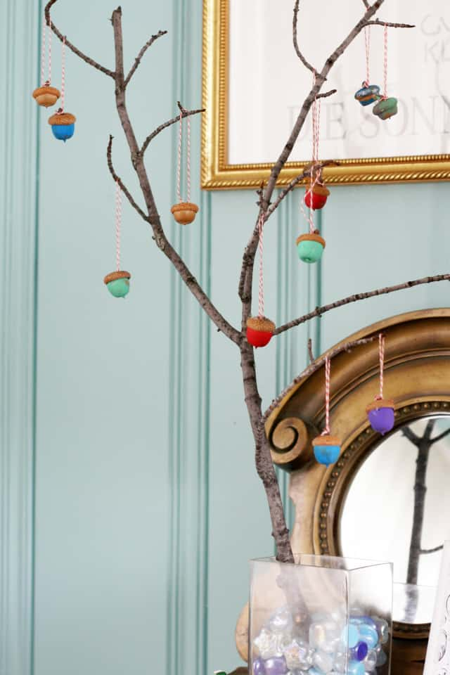 A fun autumn project - a branch tree with painted acorns.