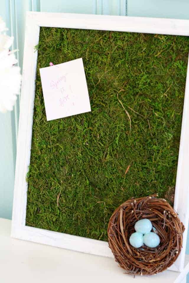 A fun little project - a spring moss bulletin board for all your organizing needs!