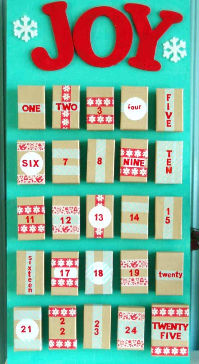 Make your own advent calendar the pretty bee for Make your own christmas countdown calendar