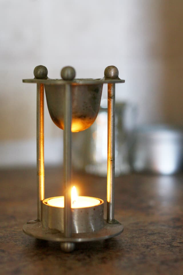 oil burner with candle