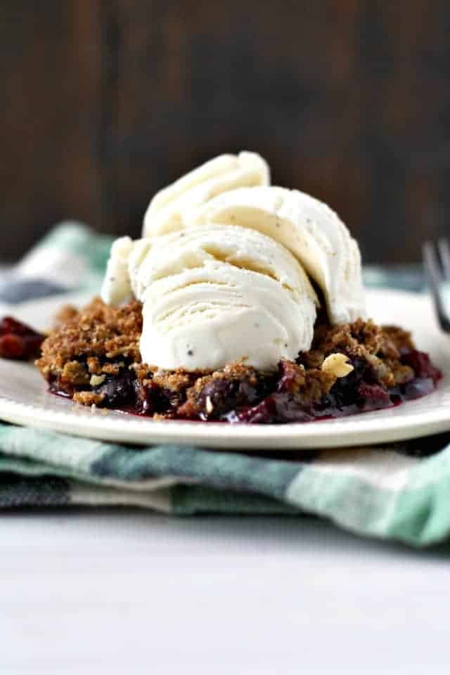 gluten free vegan blueberry peach crisp