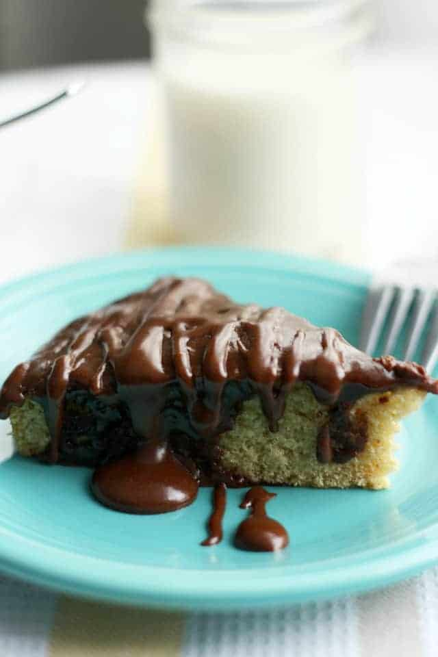 vegan vanilla cake recipe with rich chocolate frosting