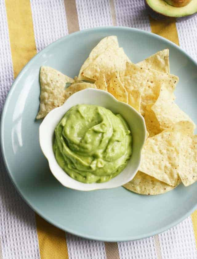 Creamy Avocado Dip. - The Pretty Bee
