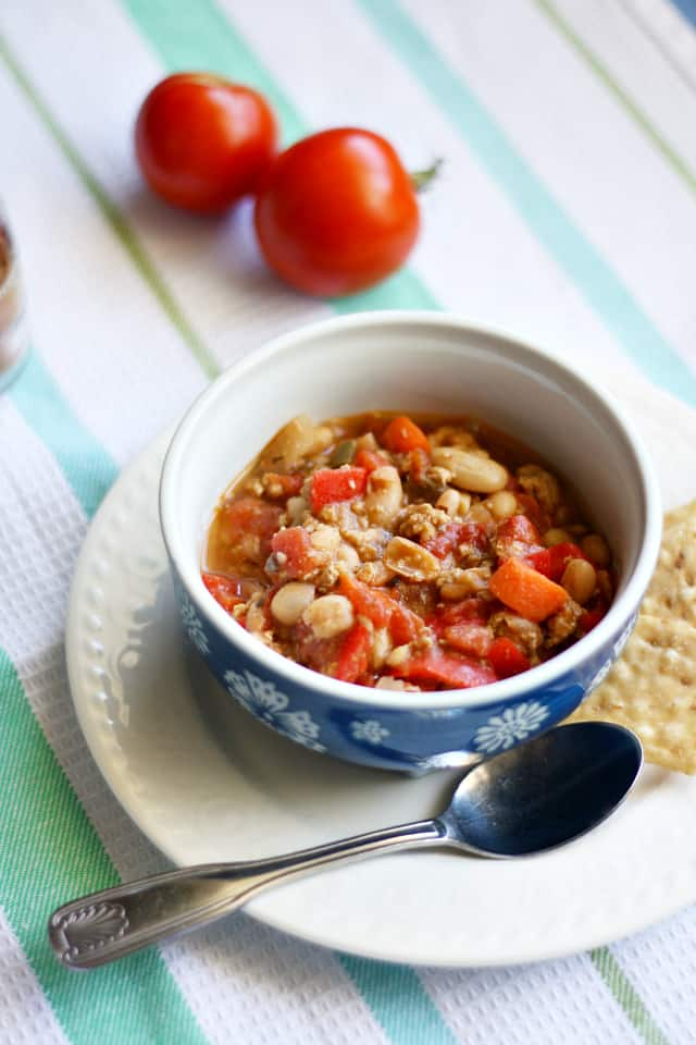 White Bean Turkey Chili. - The Pretty Bee