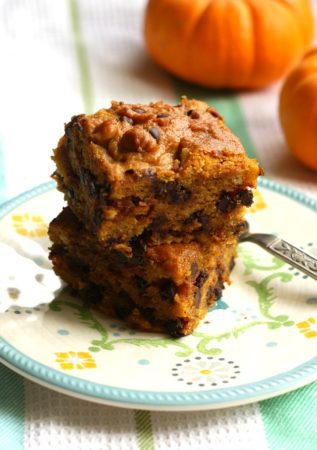 vegan chocolate chip pumpkin cake