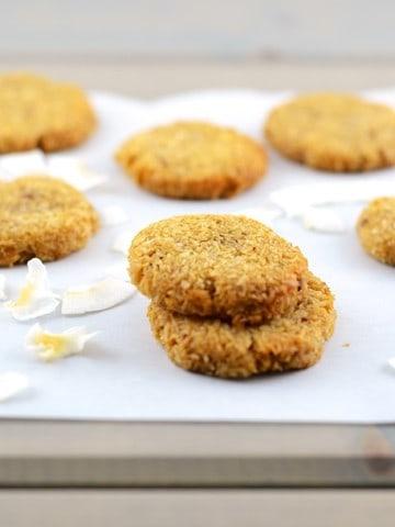 Crispy and Chewy Coconut Cookies (girlmakesfood.com) 2