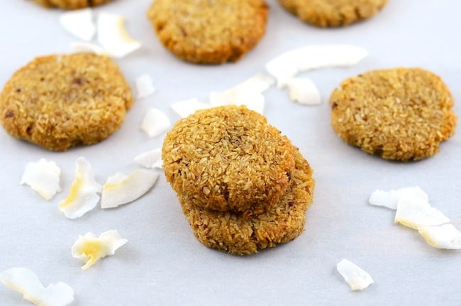 Crispy and Chewy Coconut Cookies. - The Pretty Bee