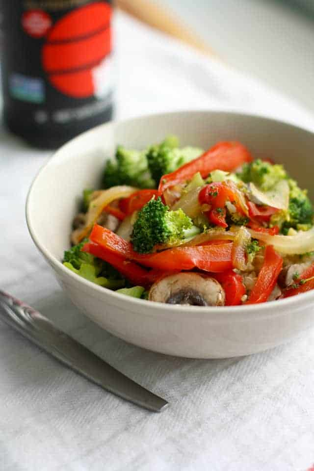 Sweet and Spicy Broccoli Red Pepper Stir Fry with Quinoa. - The Pretty ...