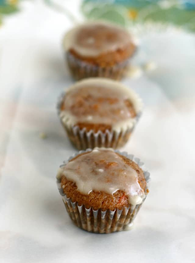easy vegan carrot muffins