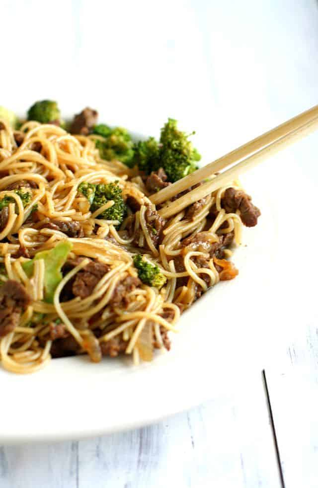 gluten free beef and broccoli teriyaki noodle bowls