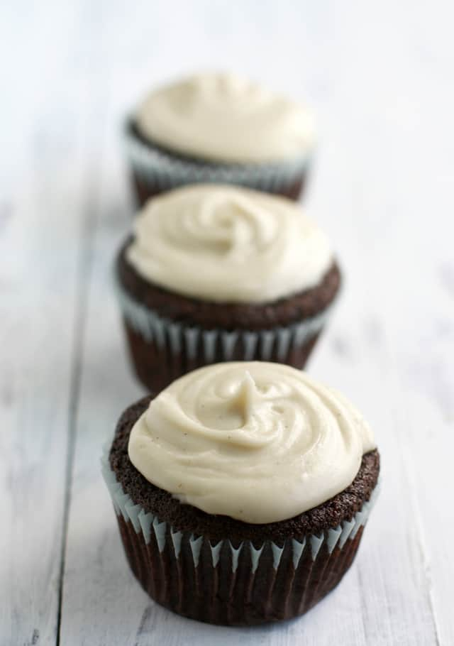 Chocolate Cupcakes with Vanilla Bean Frosting (Vegan, Gluten Free ...