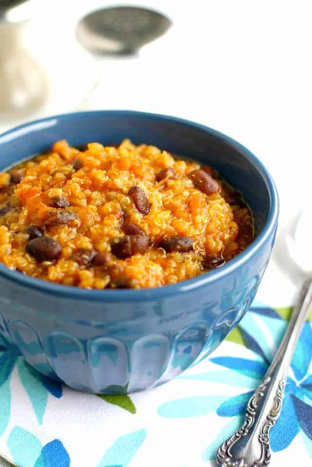 Tasty vegan quinoa chili with black beans and squash! Hearty and healthy!