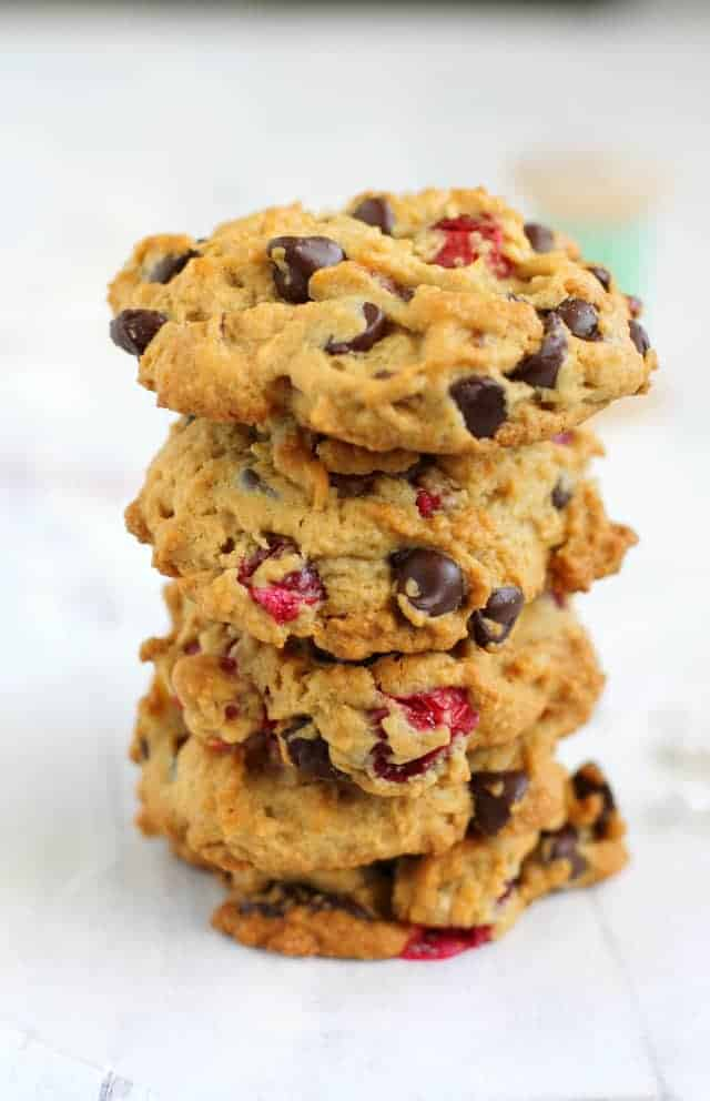 Cranberry Chocolate Chip Cookies with Walnuts. - The Pretty Bee