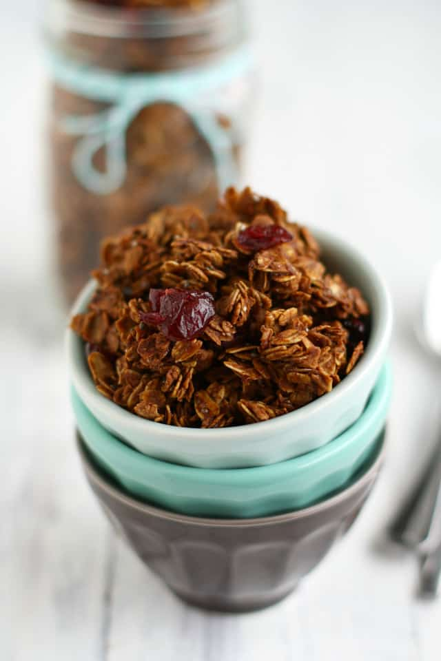 Lightly sweetened gingerbread spice granola that is perfect for gifting! #sponsored