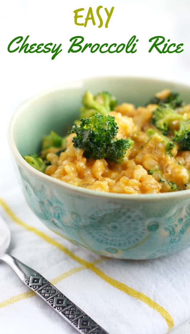 EASY, delicious, crowd-pleasing cheesy broccoli rice. Everyone loves this classic side dish!
