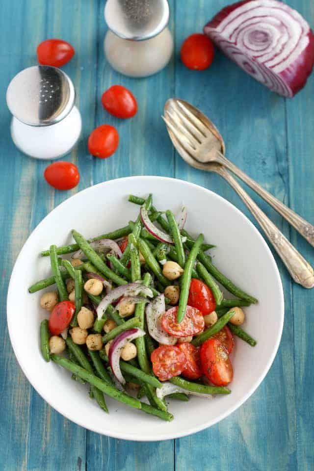 healthy garlic dill green bean salad