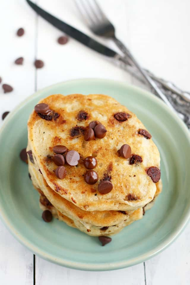 The best vegan chocolate chip oatmeal pancake recipe