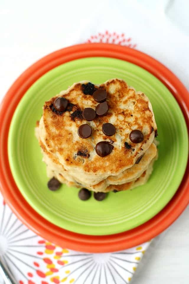 vegan oatmeal pancakes with chocolate chips