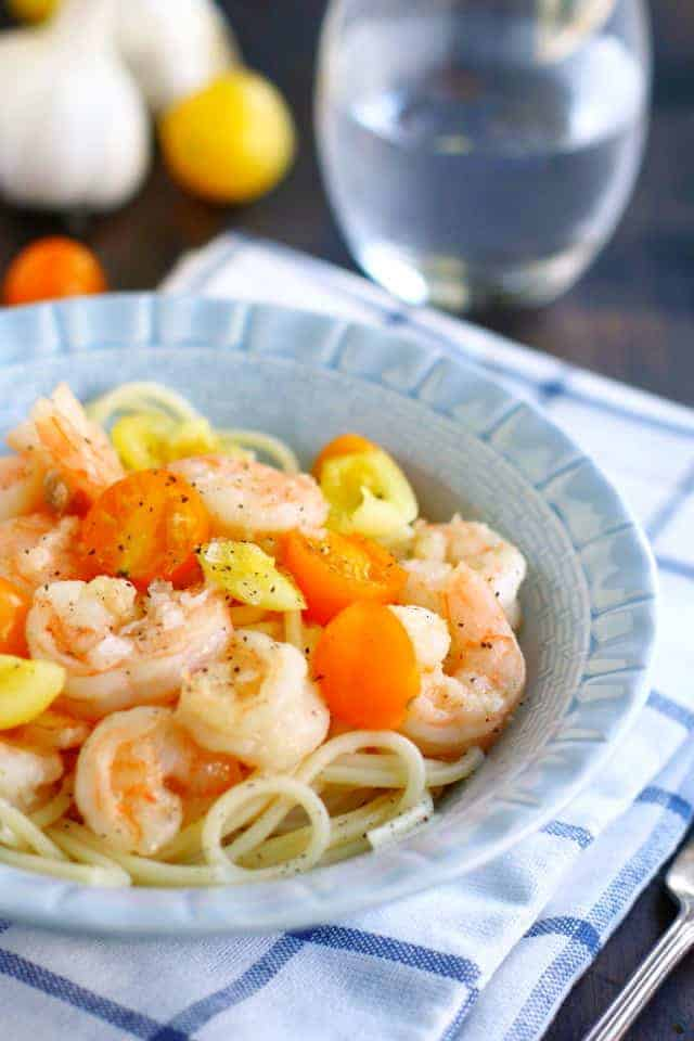 garlic shrimp and fresh tomato pasta