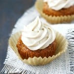 Lovely pumpkin spice cupcakes topped with sweet spiced buttercream for a perfect fall cupcake! Recipe on theprettybee.com