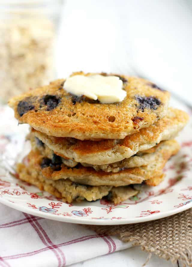 Vegan Blueberry Oatmeal Pancakes. - The Pretty Bee