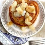 Warm and spicy gingerbread pancakes are topped with sweet pear sauce. A wonderful vegan breakfast for the holiday season!