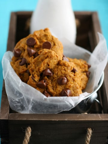 These pumpkin chocolate chip cookies are simply irresistible! Thick and delicious, and loaded with chocolate chips.