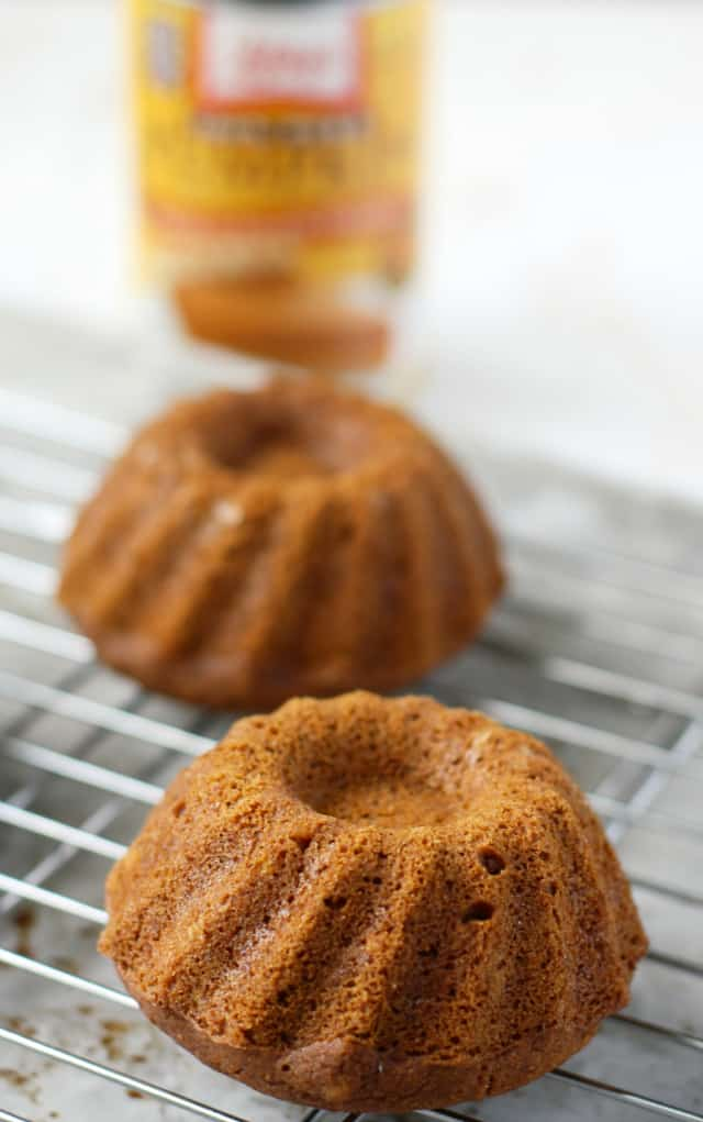 How Do I Make Mini Bundt Cakes