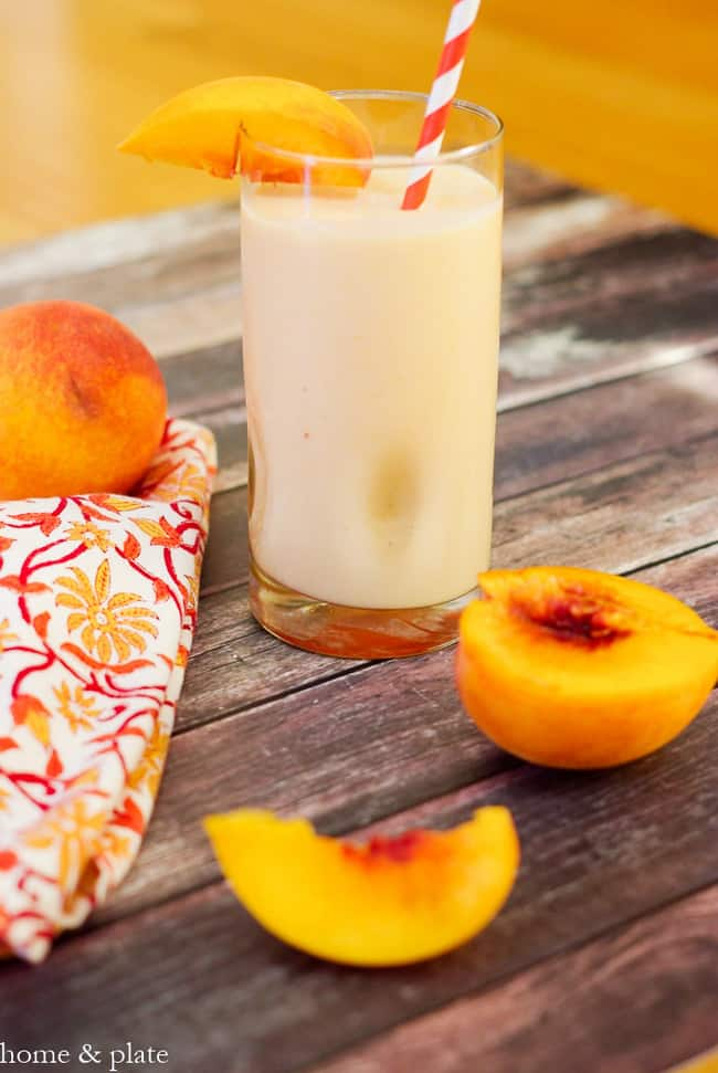 Fresh Picked Peach Smoothie from Home and Plate | 50 Healthy Smoothie Recipes on theprettybee.com