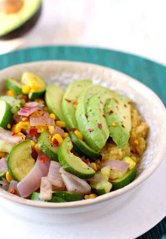 9bdf4a6151e8 Easy Quinoa Lunch Bowls.