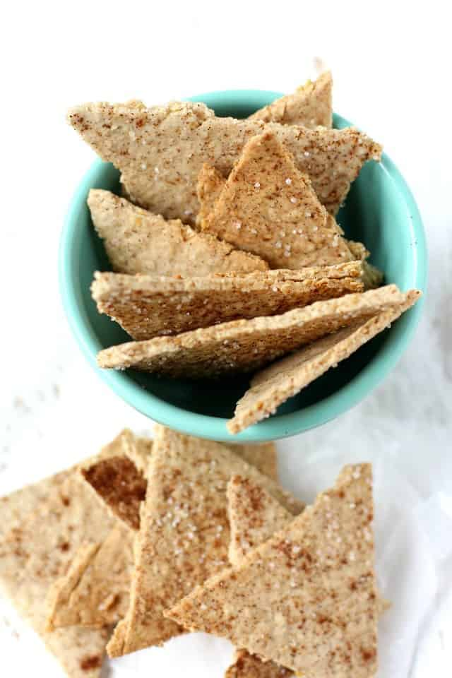 Easy gluten free cinnamon sugar oatmeal cracker recipe. Kids love this healthy snack!