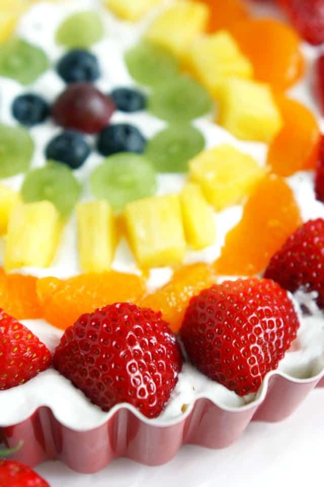 beautiful no-bake rainbow fruit tart.