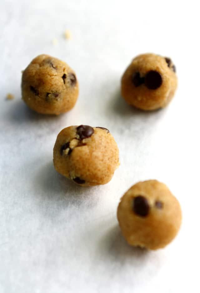 vegan chocolate chip cookie dough bites