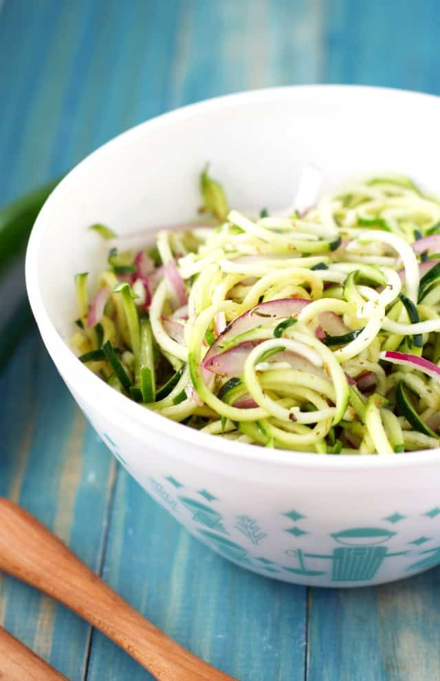 salad with zoodles and onions