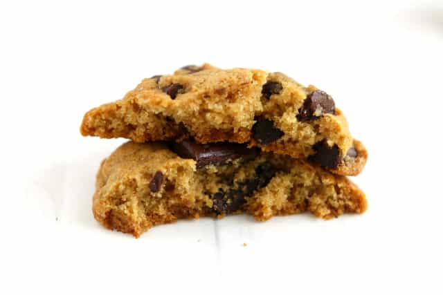 Gluten free chocolate chip cookies made with different flour blends - check out the results of this baking test!
