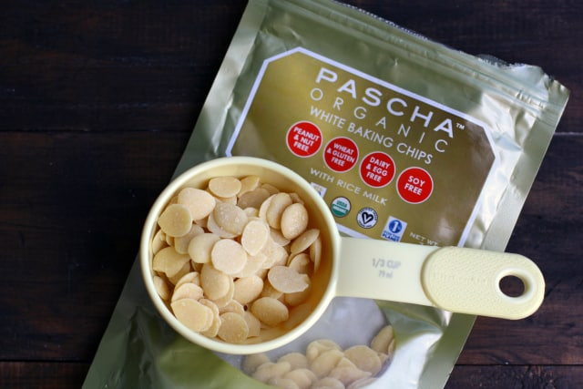 Vegan white chocolate baking chips from PASCHA. #ad