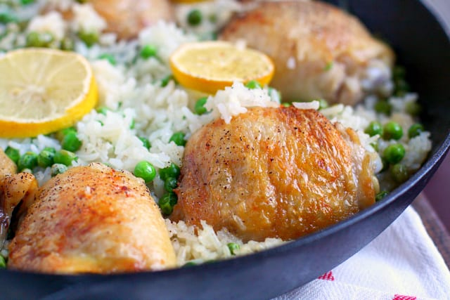 skillet chicken and rice with peas