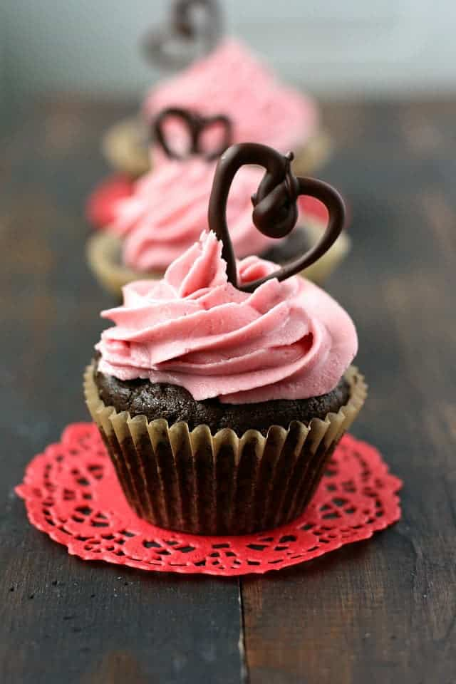 chocolate valentine cupcakes gluten free vegan the pretty bee - Valentine Cupcake Recipes