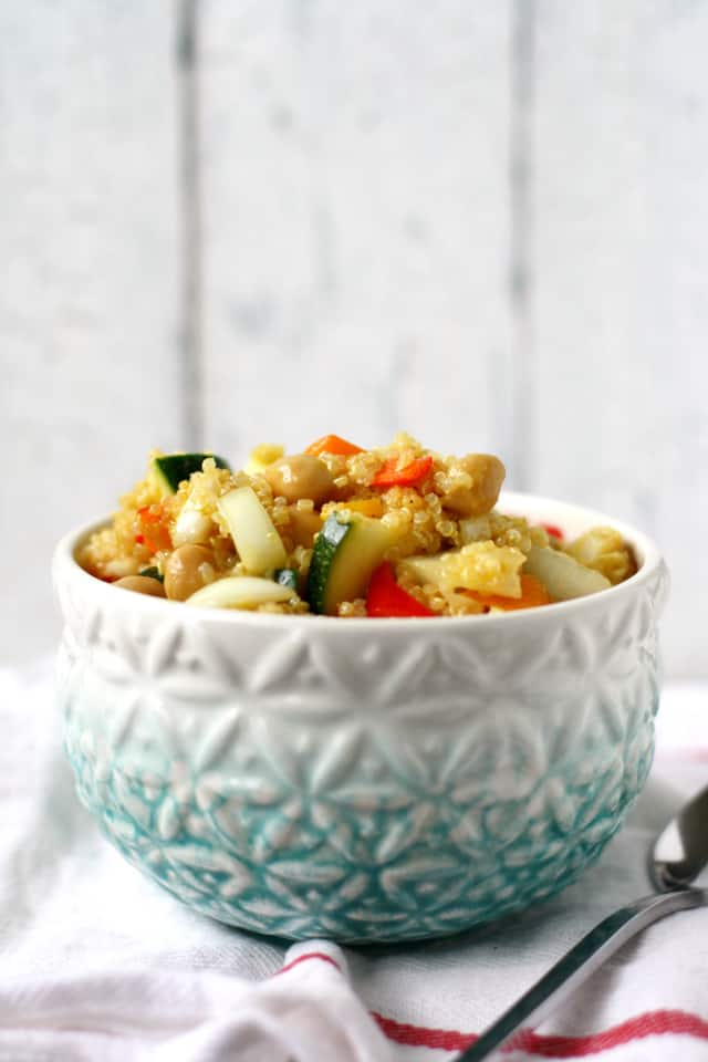 vegetable quinoa chickpea side salad