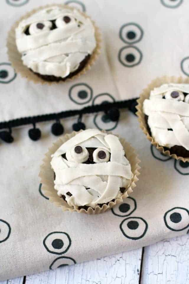 spooky mummy cupcake recipe