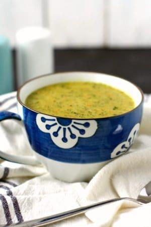 dairy free vegan broccoli cheese soup