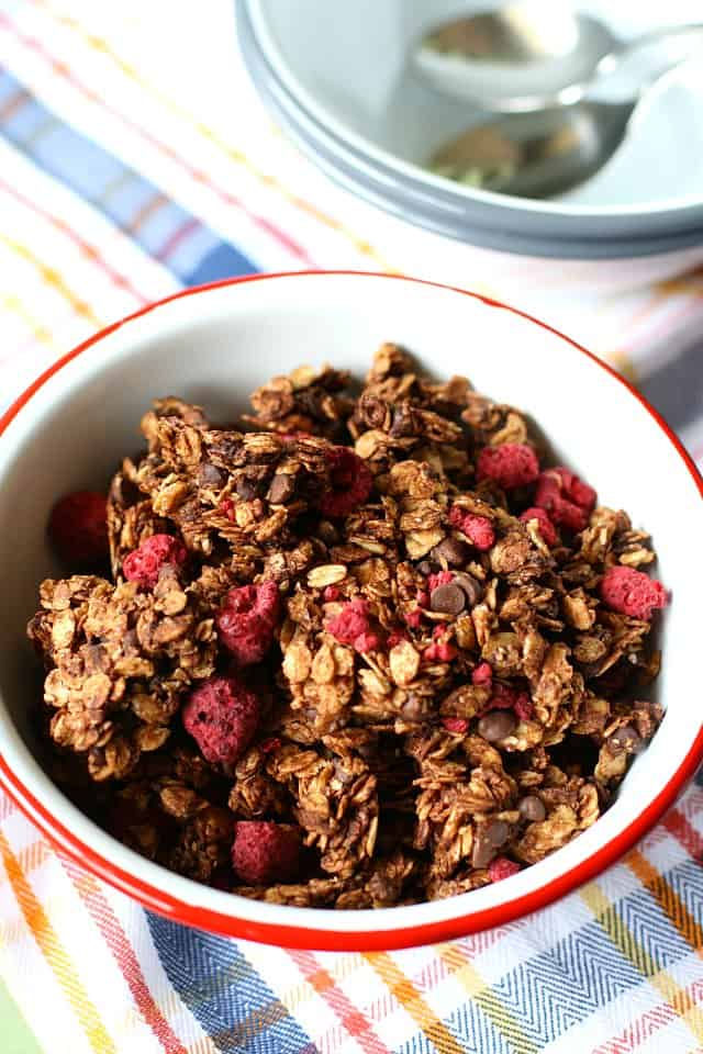 easy chocolate raspberry granola recipe