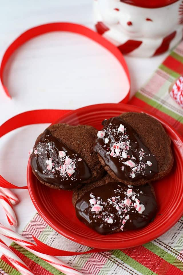 chocolate shortbread with peppermint and chocolate