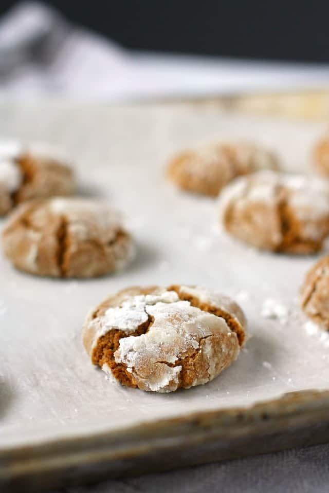 vegan ginger crinkle cookies