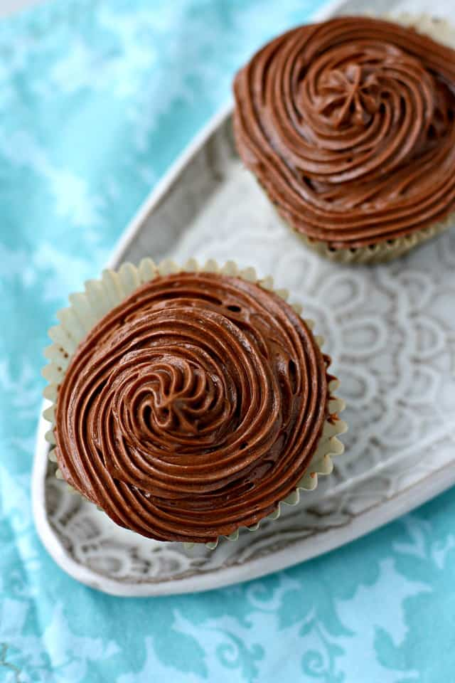 vegan chocolate frosting on cupcakes
