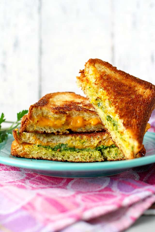 vegan grilled cheese with pesto