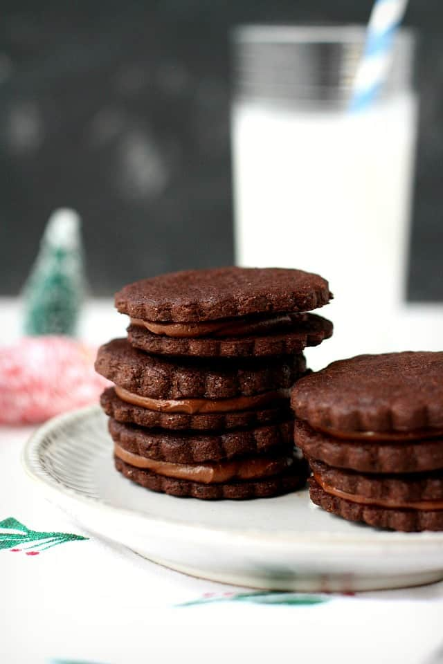 double chocolate sandwich cookies with chocolate filling on a place